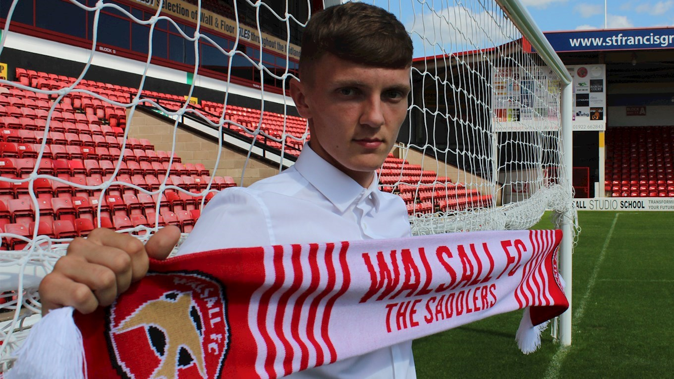 Mitchel Candlin Signs First Professional Contract